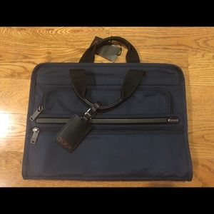 Tumi manbag carrying case / satchel